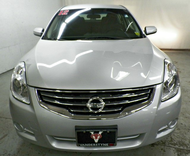 Lovely Pre Owned 2012 Nissan Altima 3.5 SR V6!