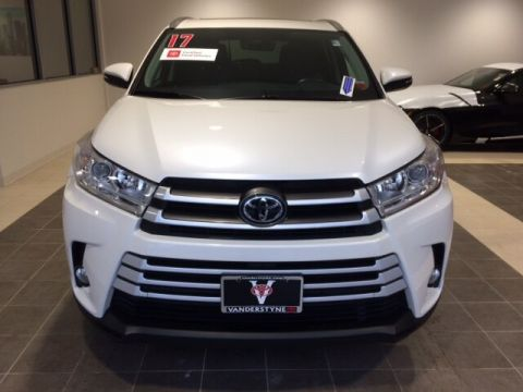 Certified Pre-Owned 2017 Toyota Highlander XLE V6