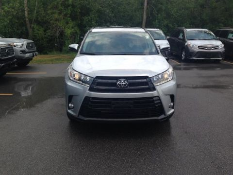 New 2018 Toyota Highlander SE V6